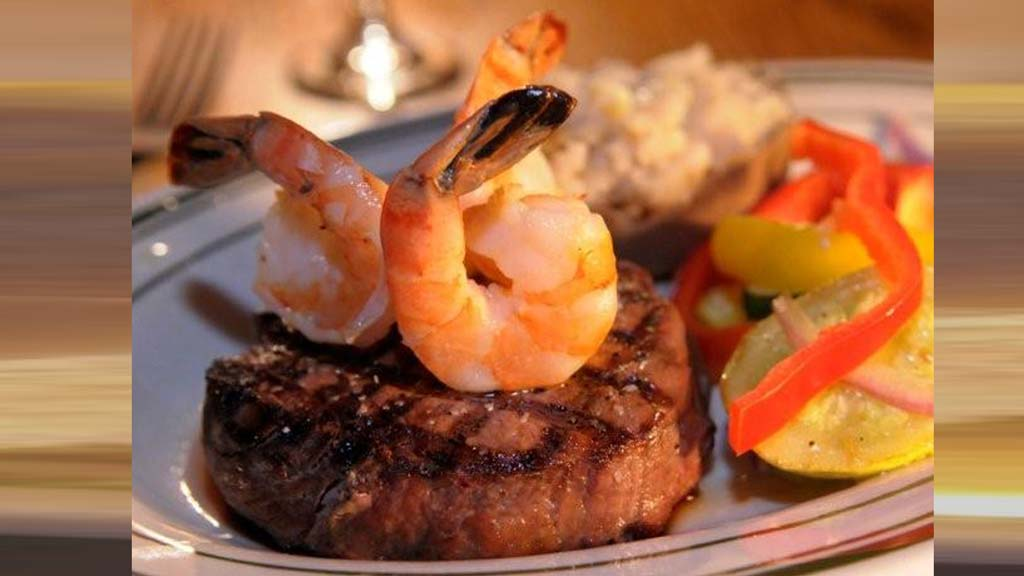 Walter Mittys Restaurant and bar - Delicious Steak and Prawns